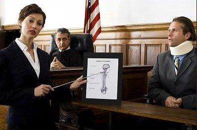 Юристы, судебные издержки и работа экспертов потянет на половину выигрыша. Фото autoaccidentattorneyss.com