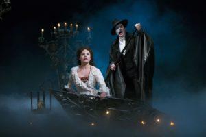 """Cцена из """"Призрака оперы"""". Фото Rushtics.com"""