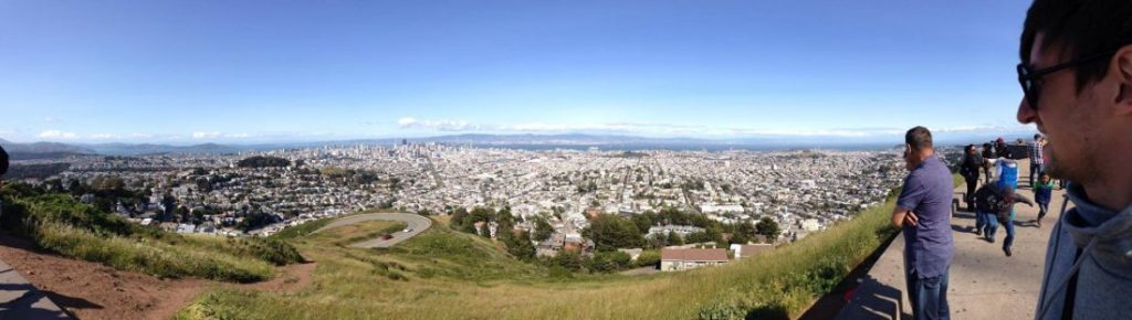 Вид с холмов Twin Peaks на город. Фото http://janekorney.me/