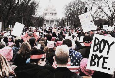 Марш на Вашингтон: сотни тысяч против Трампа