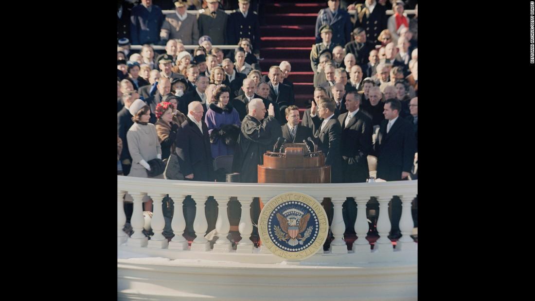 Джон Кеннеди принимает присягу, 1961 год. Фото: cnn.com