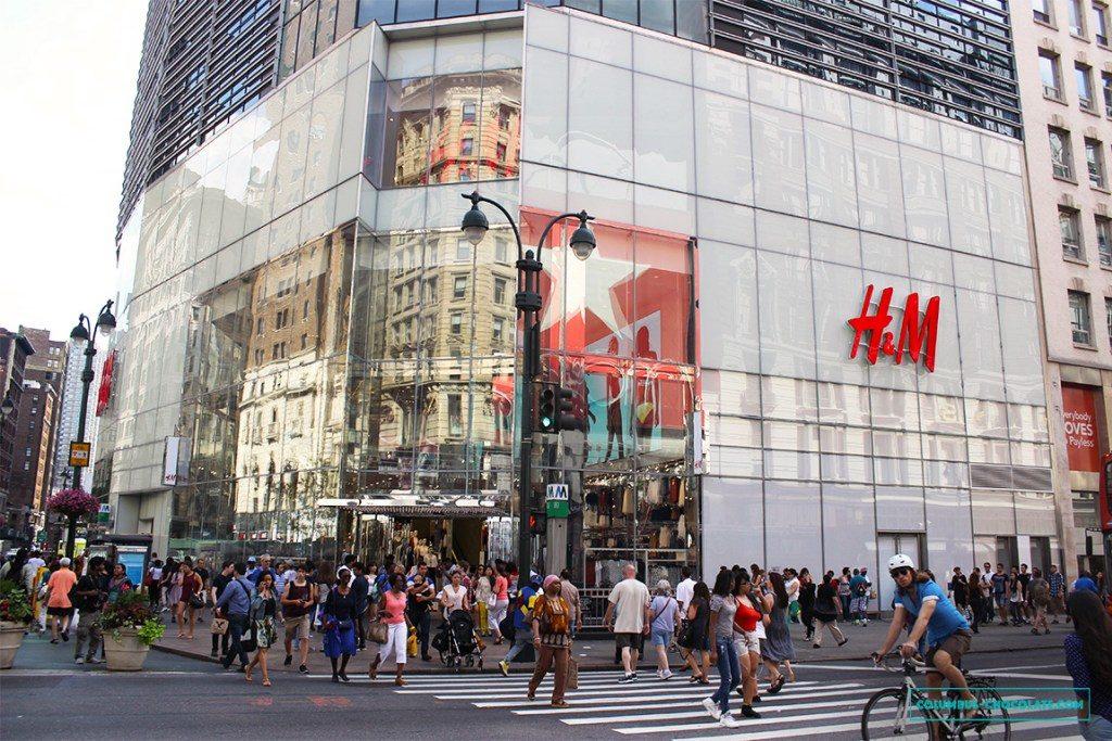 В США можно закупиться дешевой и качественной одеждой. Фото columbus-chocolate.com