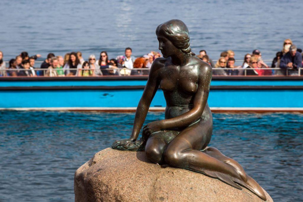 Статуя Русалочки в Копенгагене, Дания Фото: wikipedia.org