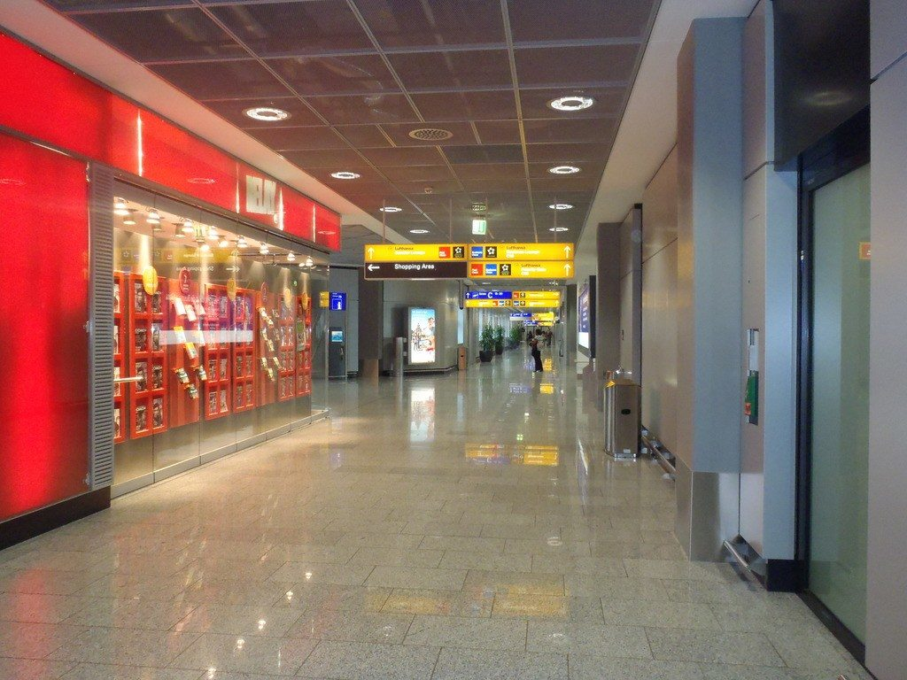 После прибытия в США, нужно пройти паспортный контроль. Фото columbus-chocolate.com