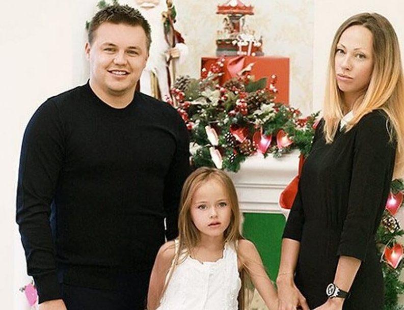 Руслан, Кристина и Гликерия Пименовы. Фото: baby.ru