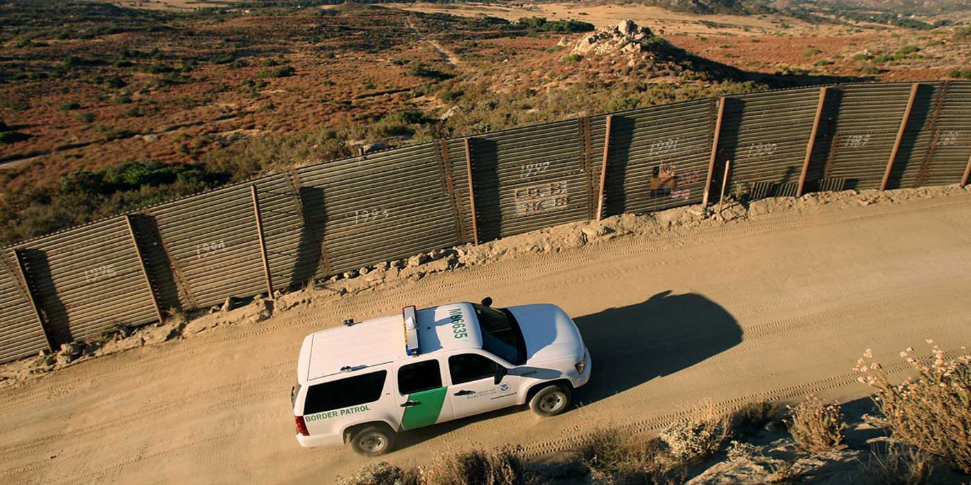 the pros and cons of the us border patrol Should the government allow immigrants who pros, and cons on today's opponents of illegal immigration say that people who break the law by crossing the us.