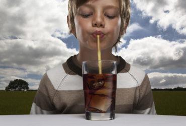 Дети в США пьют слишком много сладкого