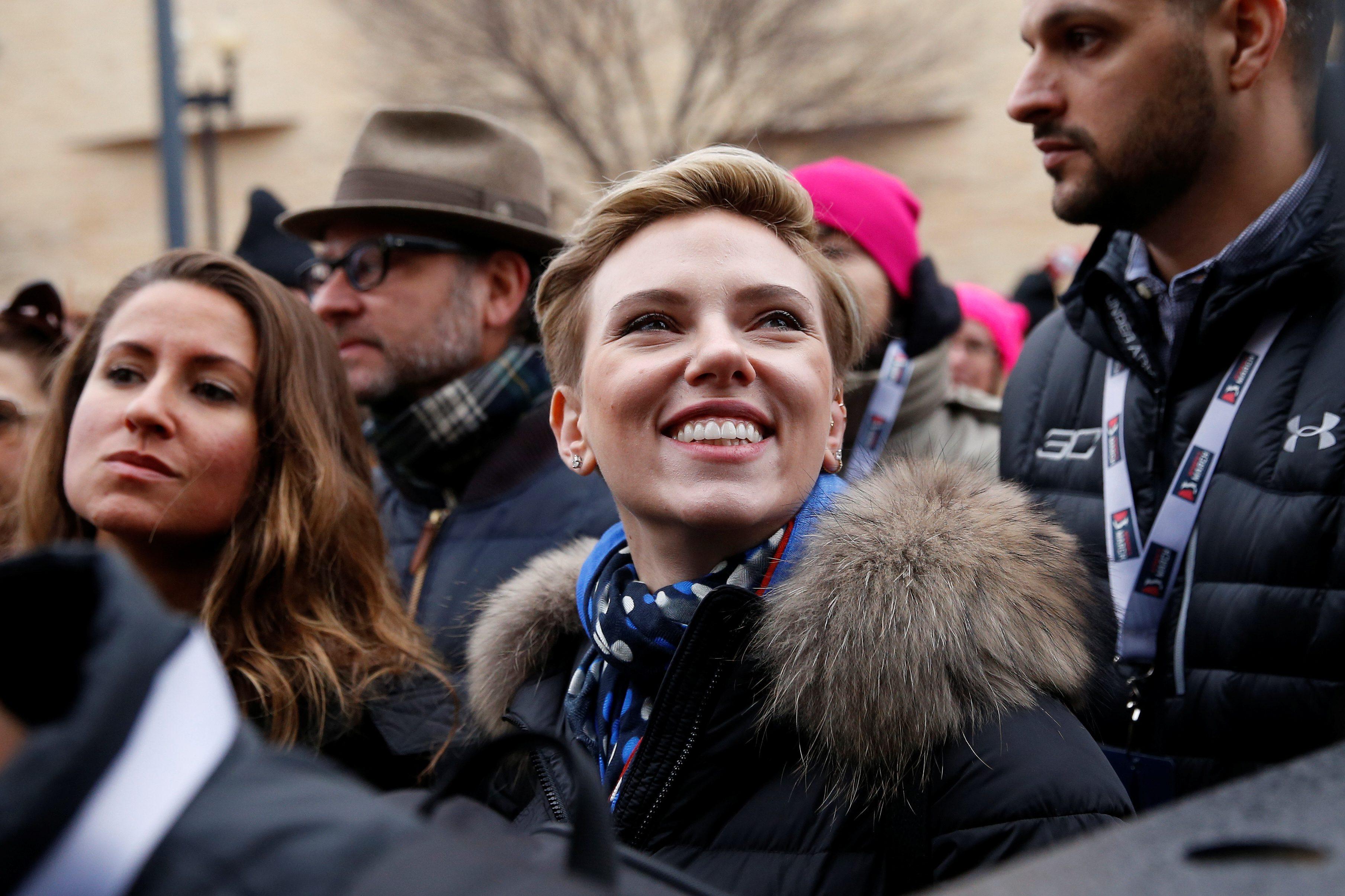 Скарлетт Йоханссон на Марше женщин. Фото: elitedaily.com