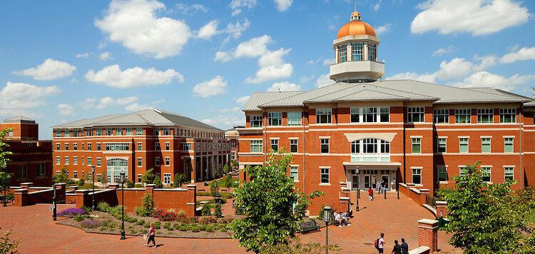 Колледж в Северной Каролине. Фото nccivitas.org
