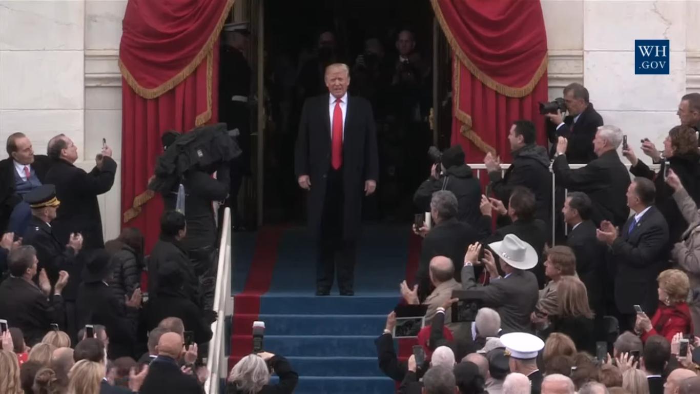 Дональд Трампа через несколько минут провозгласит инаугурационную речь