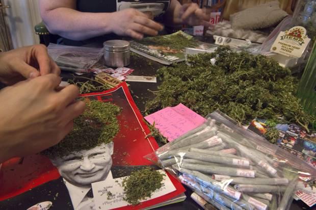 Активисты скрутили косяки благодаря пожертвованиям производителей марихуаны в Вашингтоне