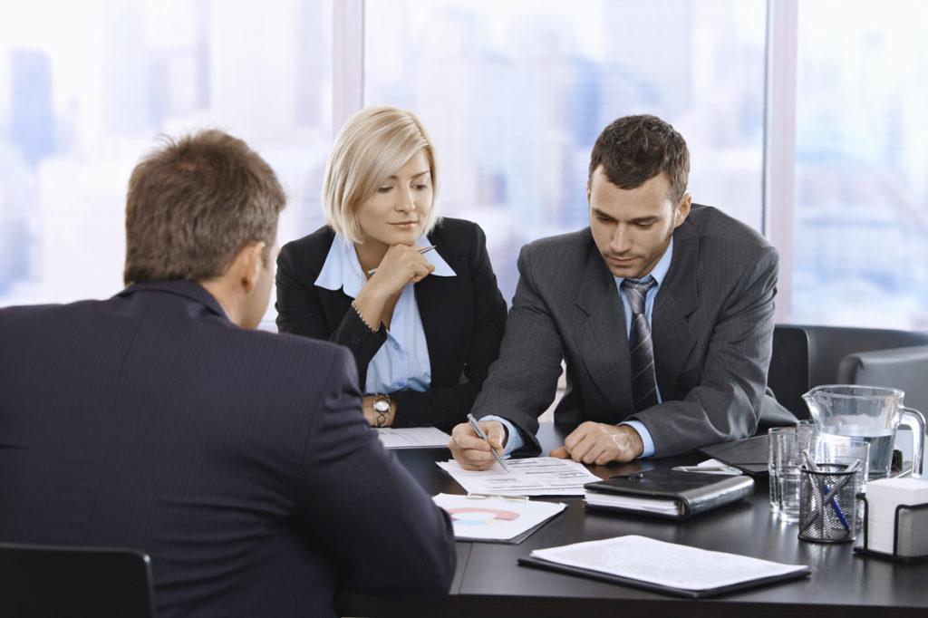 У любого адвоката надо в первую очередь проверить лицензию. Фото http://advokat-kiev.net.ua/