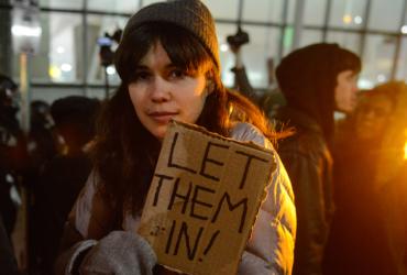 Google и Airbnb оказали немедленную помощь иммигрантам, обиженным Трампом