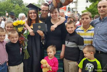 У многодетной семьи украинских иммигрантов могут отнять 10-х детей