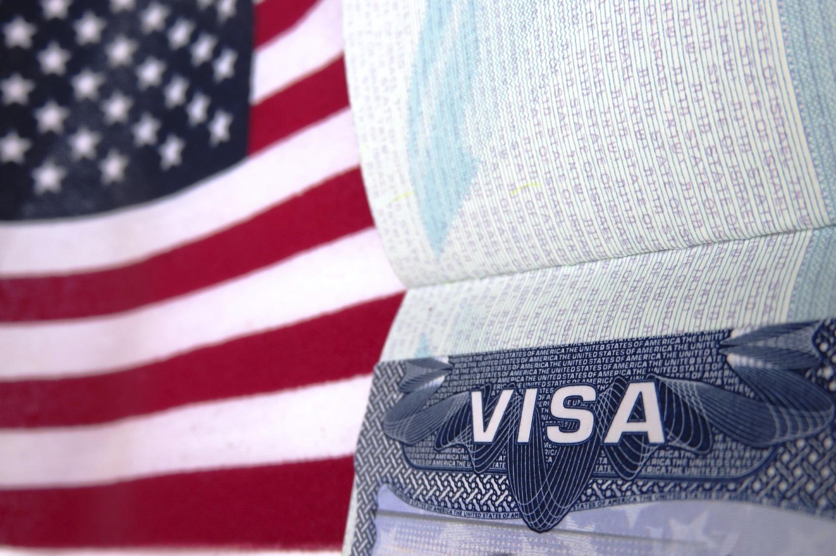 Для возобновления визы часто не нужно интервью. Фото: asl-lawfirm.com