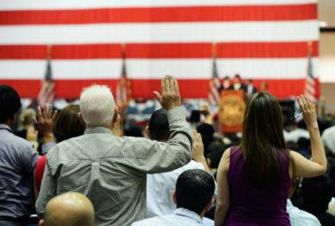 Рекордное количество американцев отказалось от гражданства США