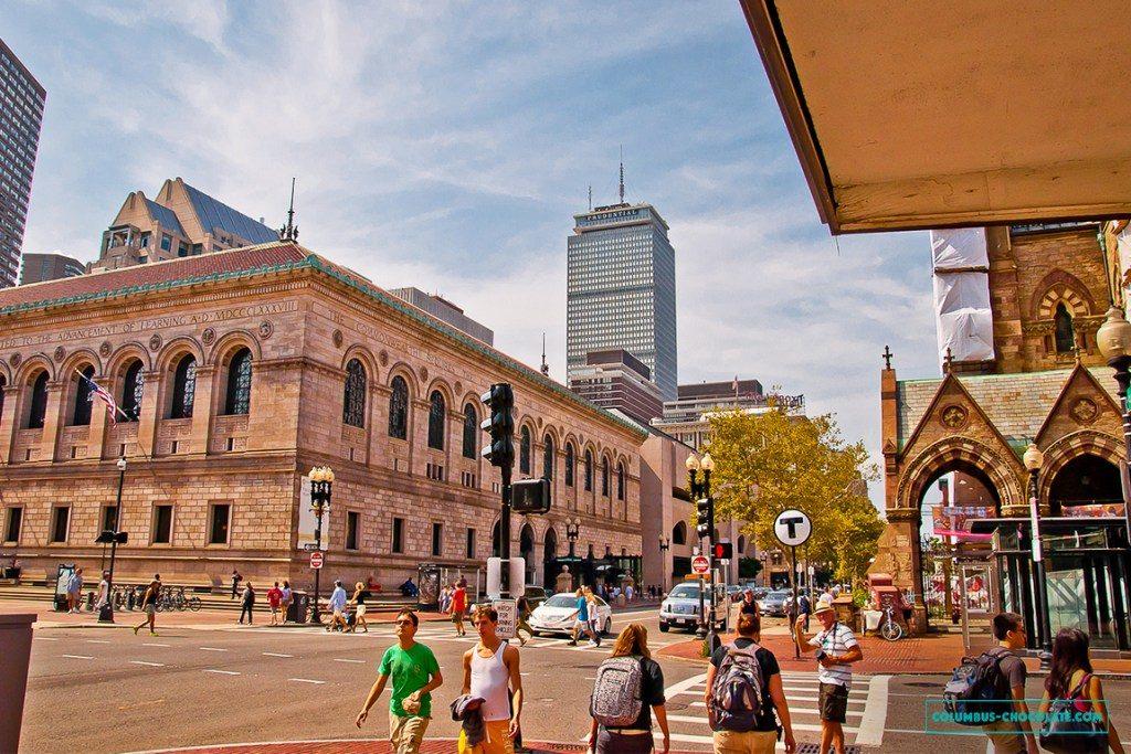 В Бостоне отлично сосуществуют европейская и американская архитектуры. Фото columbus-chocolate.com