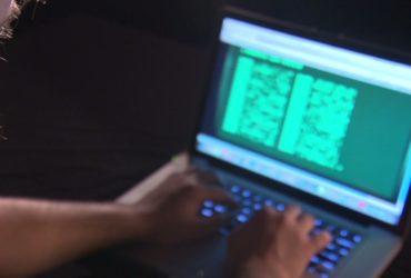 Российского хакера подозревают в краже банковских счетов. Фото: cnn.com