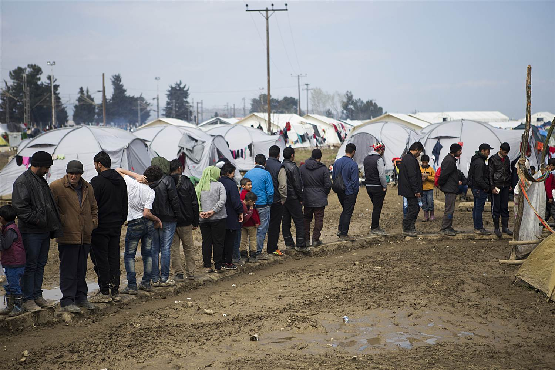 Беженцы проходят многоуровневую проверку. Фото: nbcnews.com