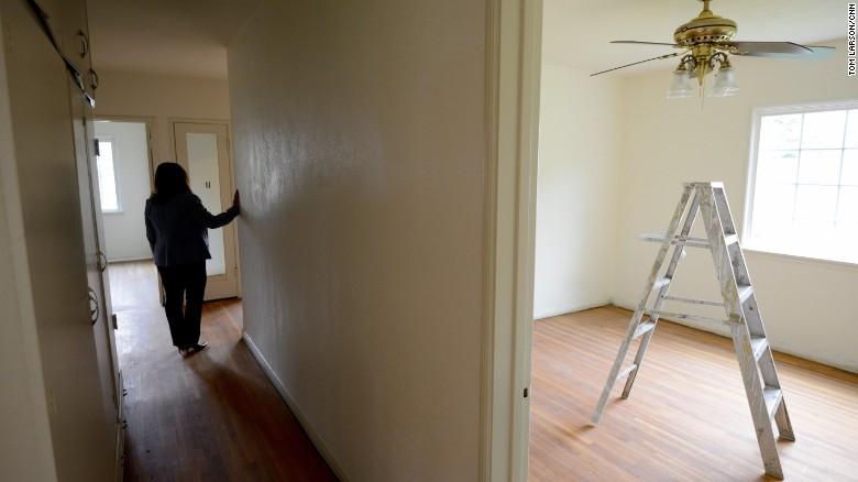 Иммигранты смогут жить в частных домах американцев. Фото: cnn.com