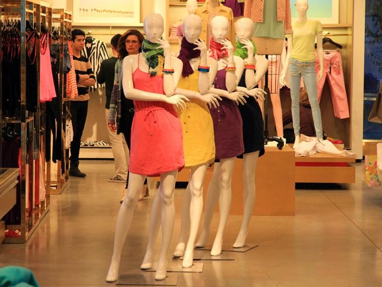 В магазинах всегда можно найти товары со скидкой. Фото columbus-chocolate.com