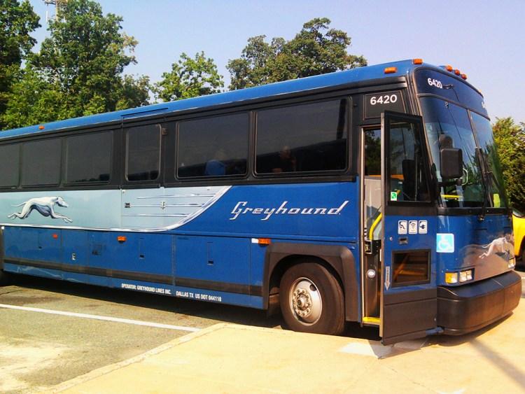 Автобус - один из самых дешевых вариантов передвижения по США. Фото columbus-chocolate.com