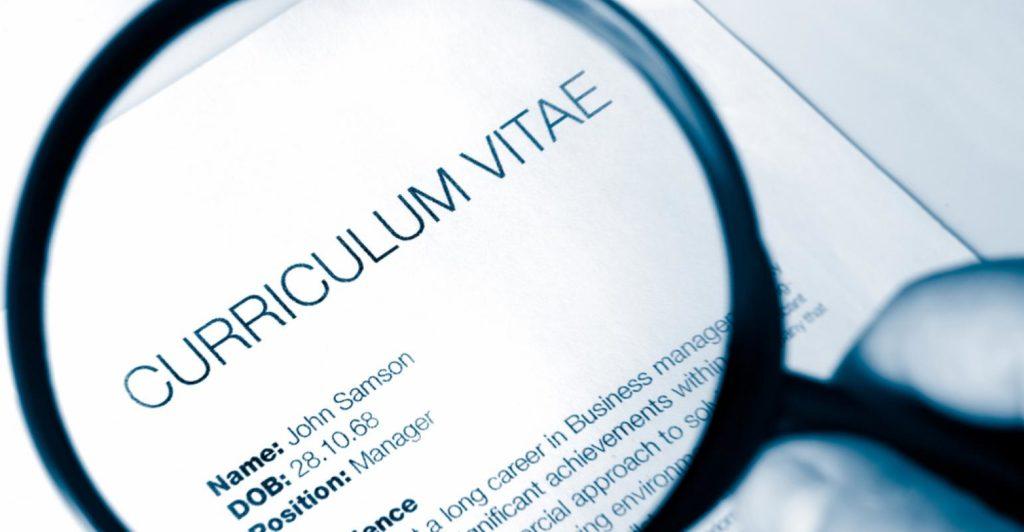 Правильно составленное резюме и сопроводительное письмо - один из шагов к получению работу. Фото http://finexecutive.com