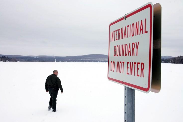 Граница США и Канады на севере Вермонта. Фото Joe Raedle/Getty Images)