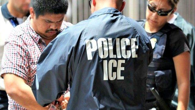 Иммиграционная полиция провела рейды на нелегальных иммигрантов