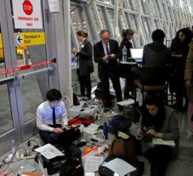 Прибывающие в США подвергаются жестким проверкам