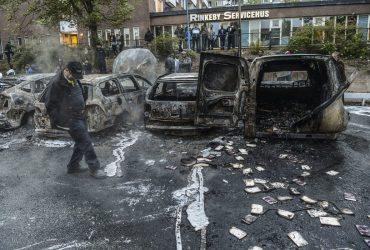 После заявления Трампа в Швеции начались беспорядки в иммигрантском районе