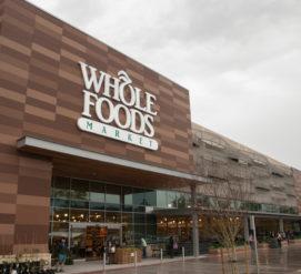 Whole Foods закрывает магазины впервые за много лет