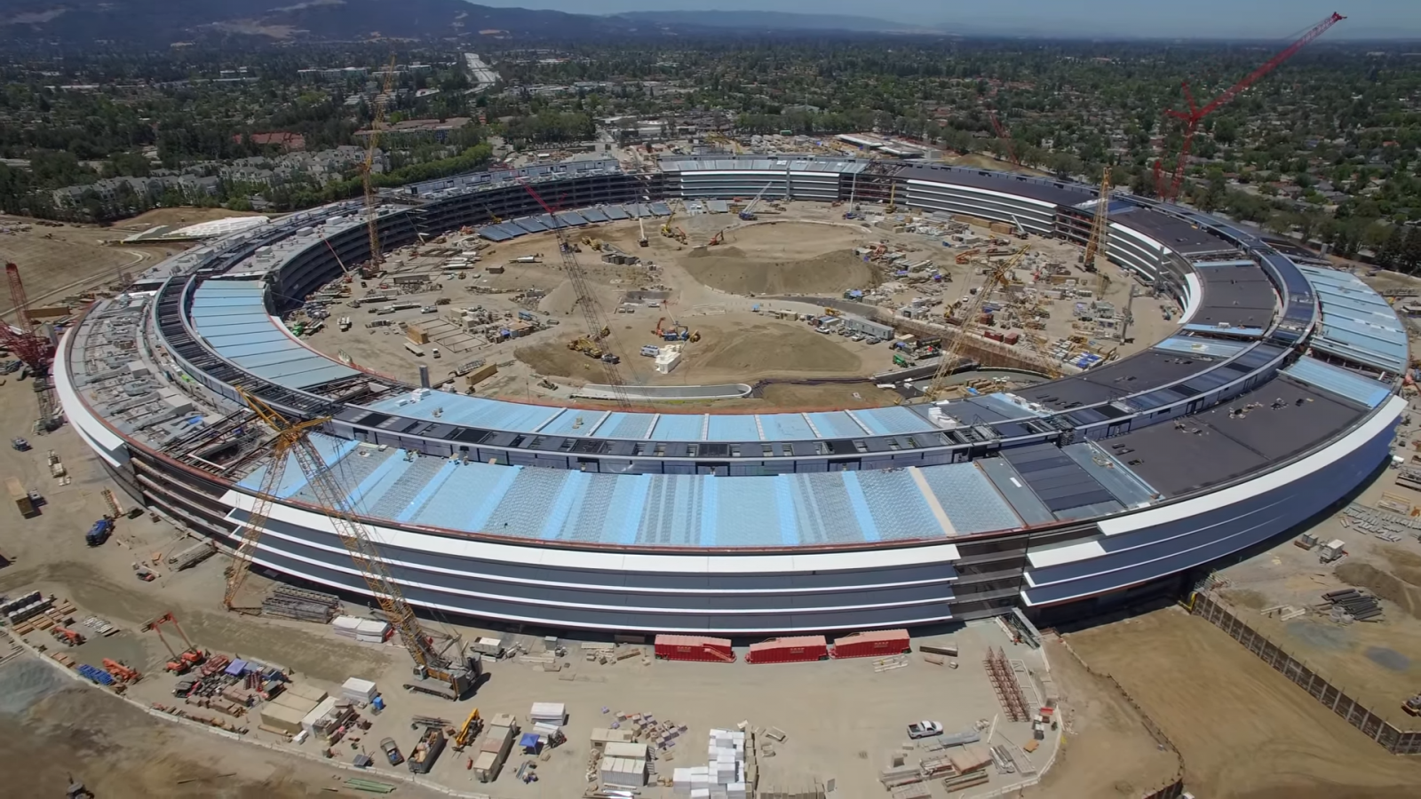 Главный офис Apple Campus 2 в процессе строительства. Фото: ibtimes.co.uk