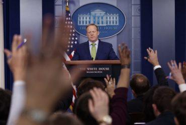 Журналистов CNN, The New York Times, Buzzfeed и «Би-би-си» не пустили на брифинг в Белом доме
