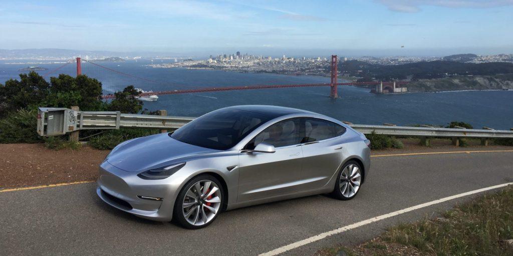 Автомобиль Model 3. Фото electrek