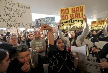 Авиакомпании возобновляют перевозку граждан мусульманских стран в США