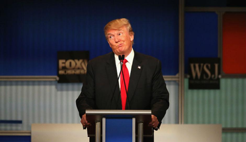 Дональд Трамп знает, как обязаны одеваться его сотрудники. Фото inquisitr.com