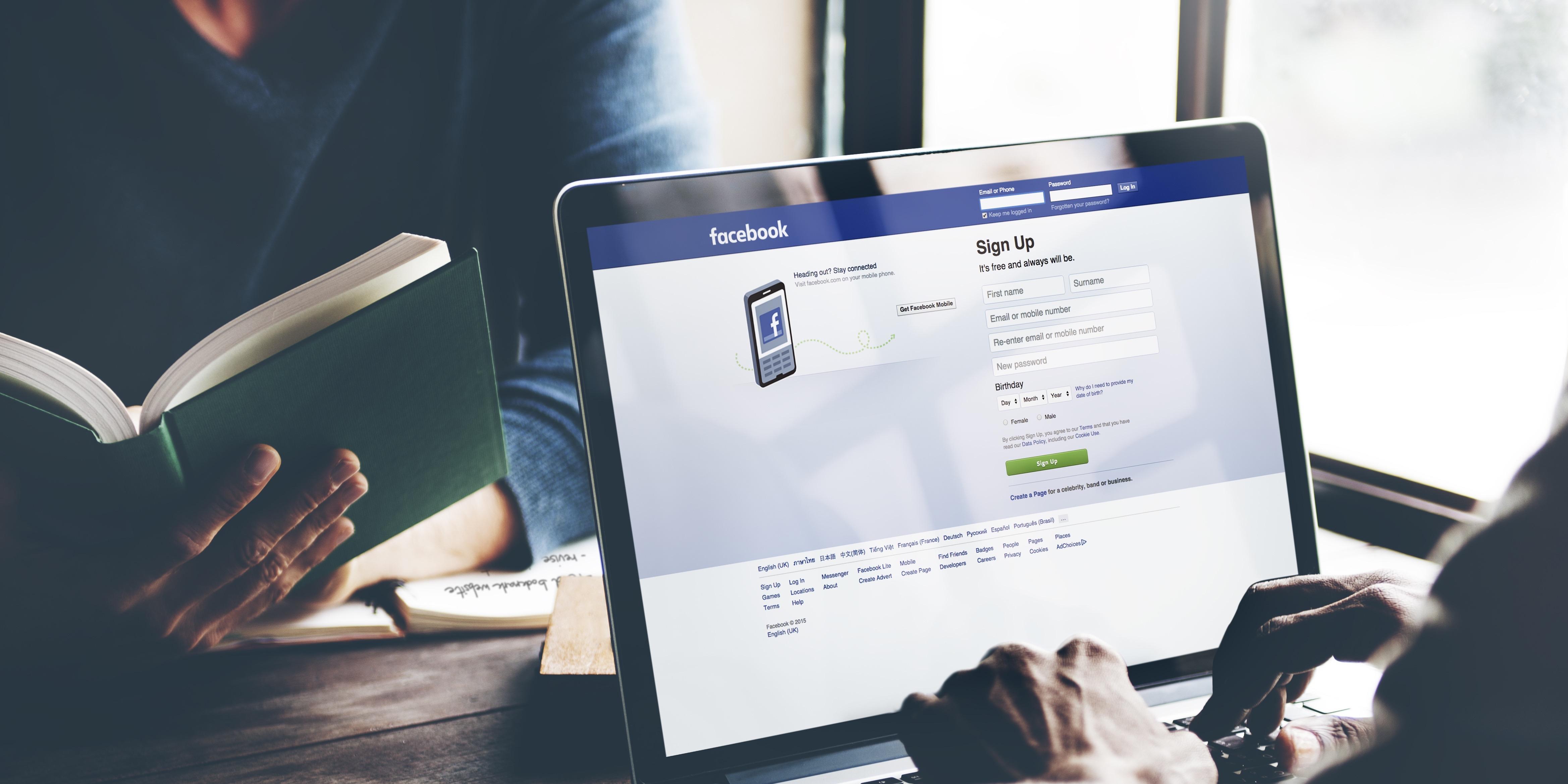 Всю информацию о пользователе Facebook введет самостоятельно. Фото: fundera.com