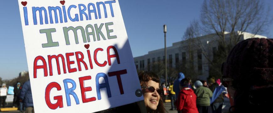 Иммигранты хотят показать, что их труд необходим в США. Фото: pennlive.com