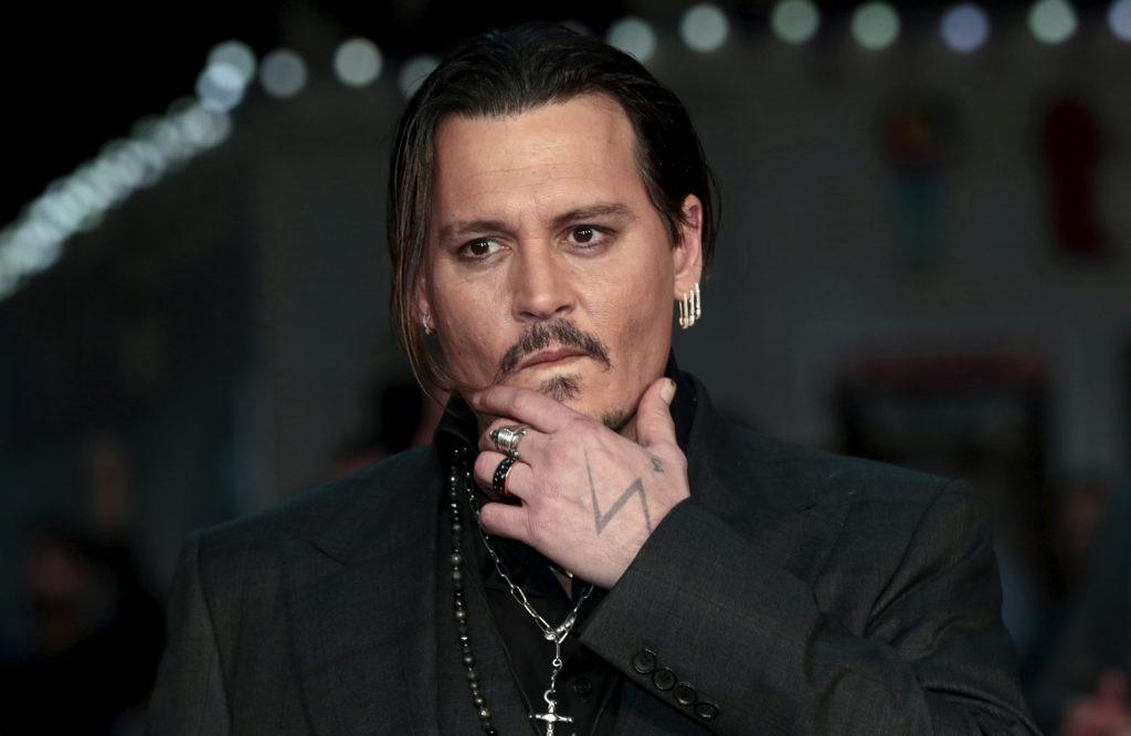Джонни Депп тратит слишком много. Фото: ibtimes.com.au