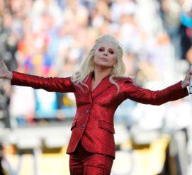 Во время шоу Леди Гаги на Супербоуле будут летать сотни дронов