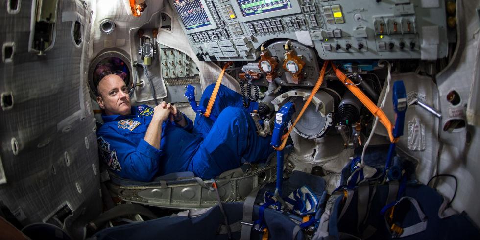 Скотт Келли на МКС. Фото h-cdn.co