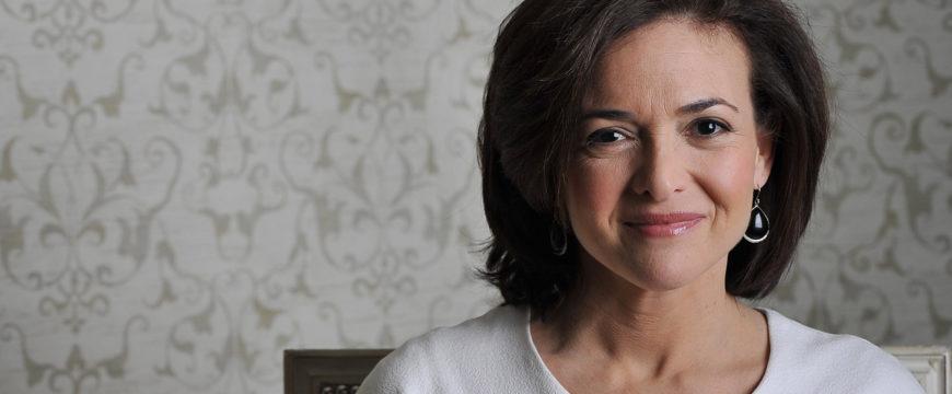 Шерил Сэндберг -  член совета директоров Facebook, первая женщина в СД компании за историю существования Facebook. Фото huffpost.com