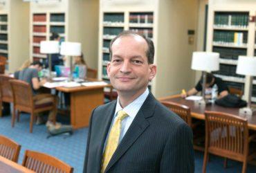 Новым кандидатом в министры труда стал латиноамериканец