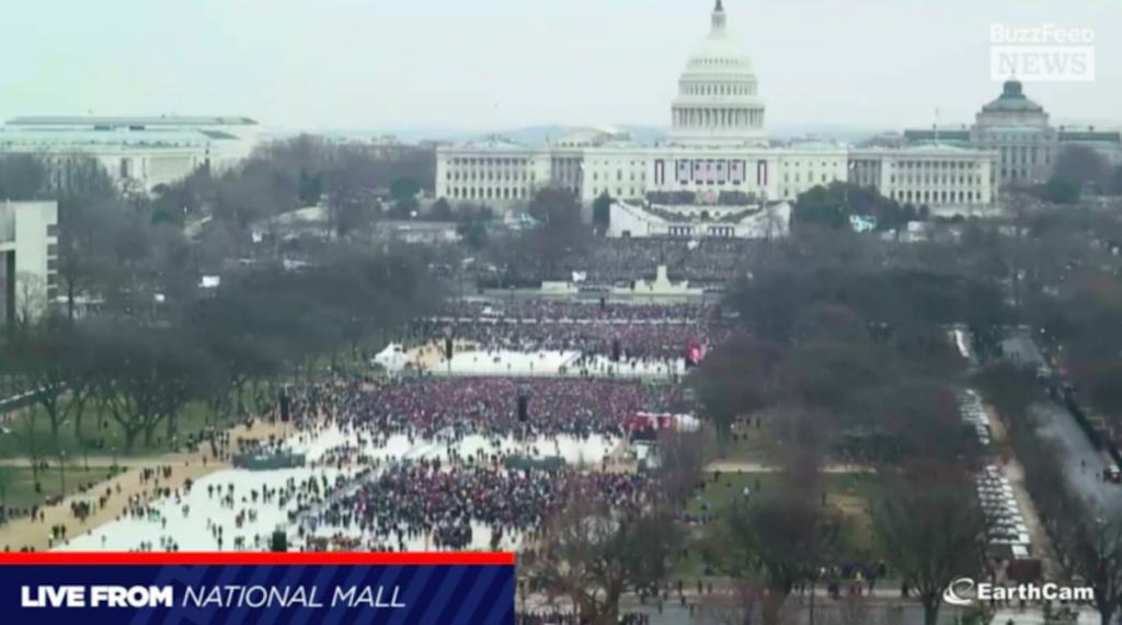 Большинство предпочли посетить Марш на Вашингтон, а не инаугурацию Трампа. Фото businessinsider.com