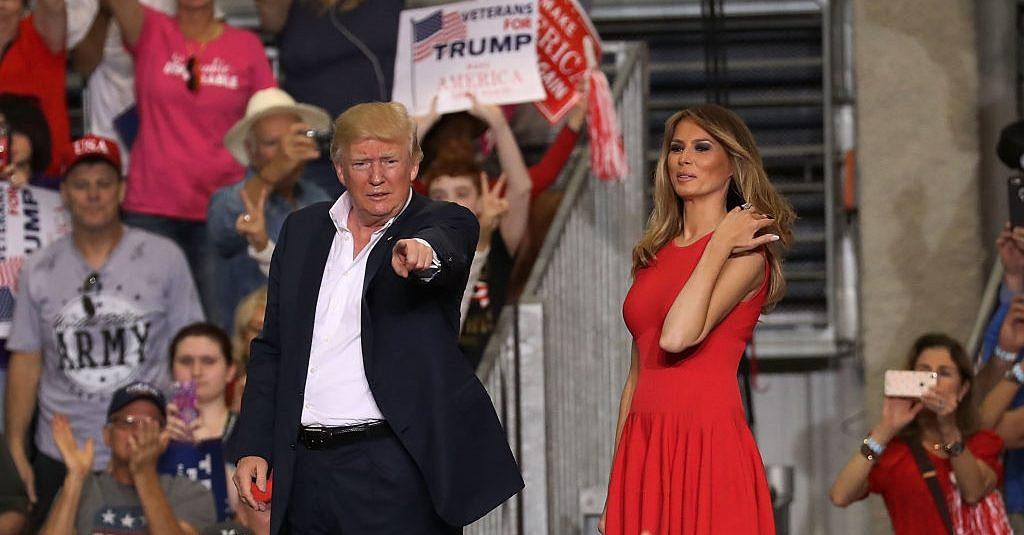Дональд и Мелания Трамп на митинге во Флориде, 18 февраля 2017. Фото cdn.com