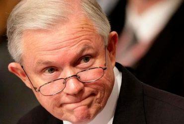 Министр юстиции США попросил об отставке 46 прокуроров