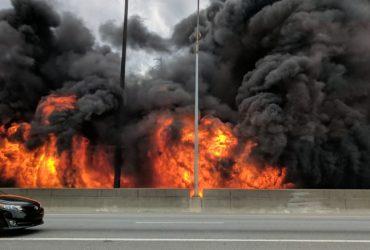 Пожар в Атланте разрушил участок трассы I-85