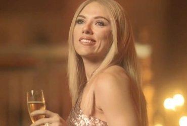 Скарлетт Йоханссон высмеяла Иванку Трамп в рекламе духов (ВИДЕО)