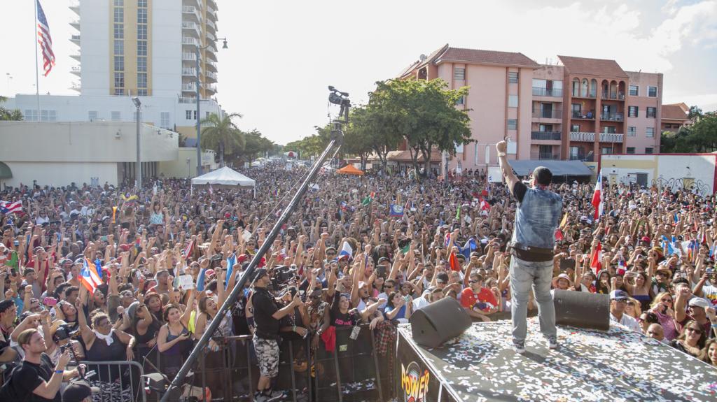 На этой неделе в Майами пройдет крупный фестиваль на карибской улице Calle Ocho. Фото heldahoy